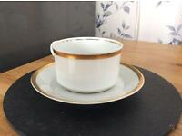 Tea cup and saucer set of four