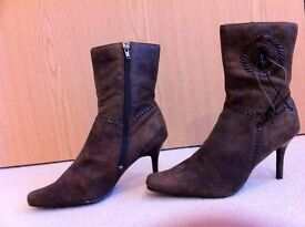 Brand New chocolate brown women boot