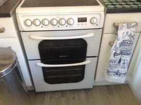 Hotpoint cooker (double oven) in white with ceramic hob