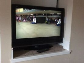 Panasonic LCD Tv with Freeview, remote control and instructions