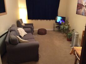 Room available in a comfortable, quiet, two bedroom flat in Kinmylies.