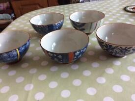Set of 4 Chinese style Bowls