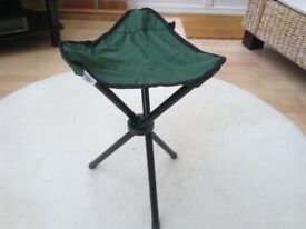 Tripod Stool - 3 leg folding stool for camping, barbecues etc. with carry bag - New