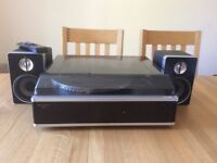 Soundmaster cd and record player with AM/FM radio