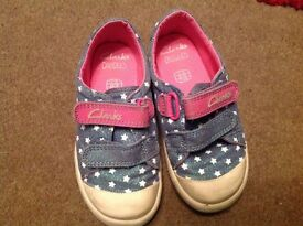 Clarks doodles, washable shoes, great for nursery size 7g