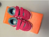 Nike baby girl first trainers uk size 5 in great condition