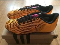 ADIDAS BOYS SOL GOLD / BLACK TAQUIERO FOOTBALL BOOTS SIZE 5.5 BRAND NEW IN BOX