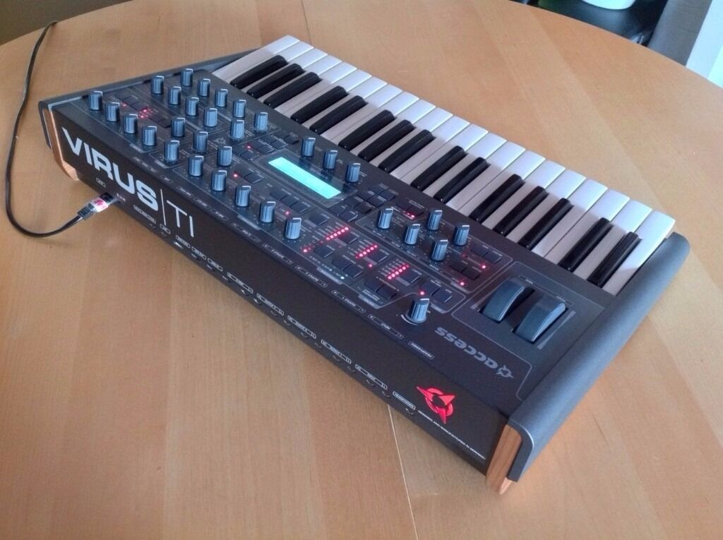 access virus ti2 polar black star synthesizer ti 2 with hard case in ealing broadway. Black Bedroom Furniture Sets. Home Design Ideas