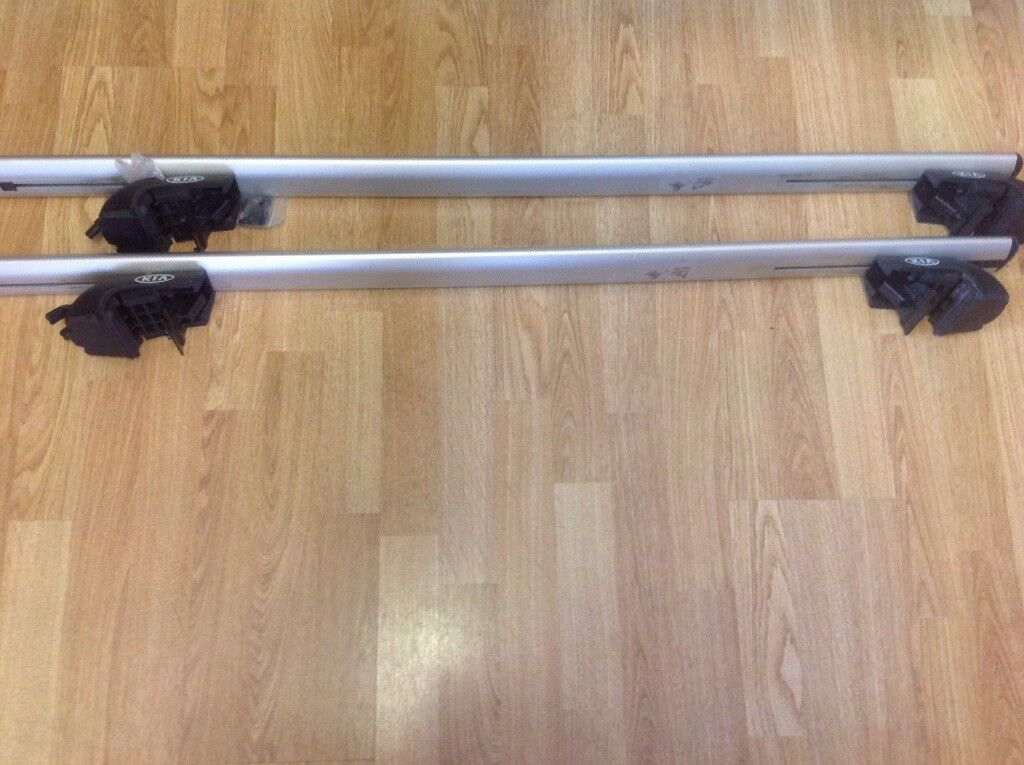 Genuine Kia Sportage roof bars. Two locking keys with bars. Excellent condition. £50.00