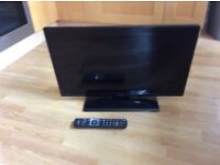 Hitachi 28 inch TV DVD combi with hd freeview
