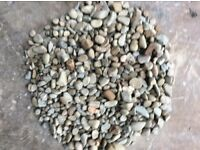 10-40 mm riverbed chips/pebbles