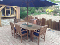 Quality Garden Table + 6 Chairs + Parasol **Delivery may be poss**