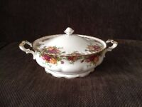 Royal Albert 'Old Country Roses' Covered Vegetable Dish