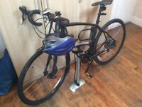 Specialised Diverge A1 bike with accessories