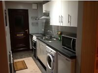 Self contained studio with bathroom and kitchen for an all inclusive price