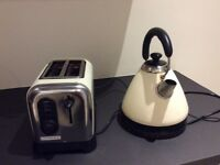 Kettle and toaster £10