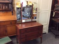 Vintage dressing table 3 mirrors