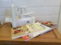 NUTRIBULLET 600 Series BLENDER and SPIRALIZER with cookery books