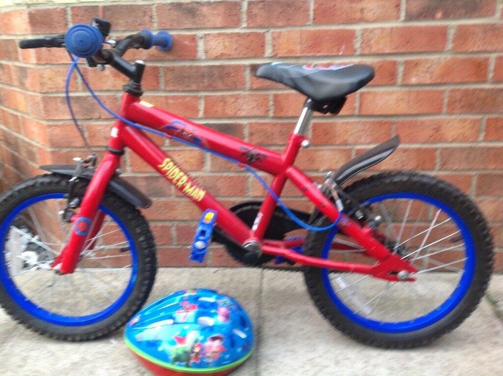 Boys bike 4-6 years plus free helmet