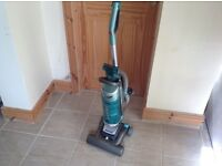 HOOVER GLOBE UPRIGHT BAGLESS VACUUM CLEANER