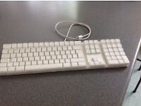 Apple Keyboard. Very good condition.