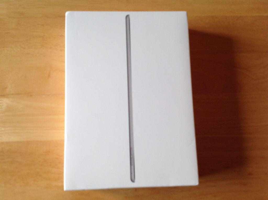Apple iPad Air 2 16 GB wifi 4G EE grade(A) silverwhitein Porthcawl, BridgendGumtree - Apple iPad Air 2. 16GB. Wifi 4G EE. Grade (A). White & silver last year model finger print ID. Looks new only used a few times comes with box & all accessories slim fast light quality iPad first £285 buys this is the final price so dont waste time...