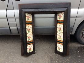 VICTORIAN CAST IRON AND TILE FIRE PLACE / FIREPLACE INSERT