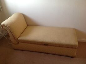 French Antique Caise Longue/Lounge