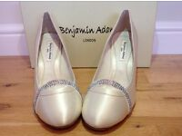 Benjamin Adams Blondell bridal shoes size 4.