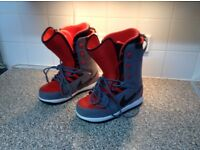 **Reduced For Quick Sale** Nike Vapen Snowboard Boots UK size 8.5 **£40**