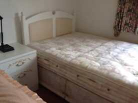 4.6ft Double Storage Bed