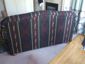Simmons two seater club sofa. Excellent condition. Shipped from California . Santa Fay design fabric