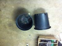 1.5 liter plant pots over 400