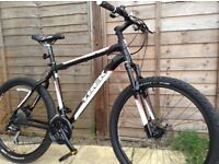 New mens mountain bike trek series 4