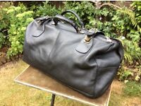 Vintage, Black leather Gladstone Bag