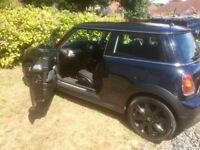 Mini ONE Black paintwork, Black Alloys, Radio/ CD/ Aux facility, full tank of petrol MOT end NOV 18