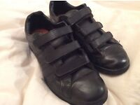 Black leather Lonsdale trainer, size 7 ex-con