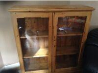 Bookshelf pine x 2 for the price of 1