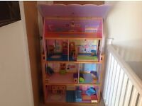 Lower Price - Gorgeous Dolls House with all the Furniture, Dolls and clothes - ! £ 80