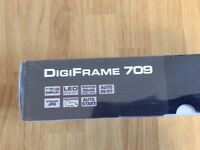 Digiframe new, never use in the same box with out open.