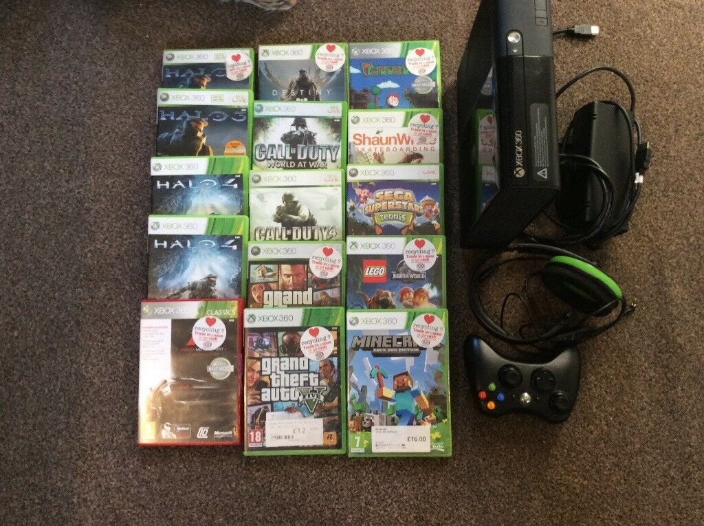 Xbox 360 in good condition plus 15 games and EAR FORCE XC1