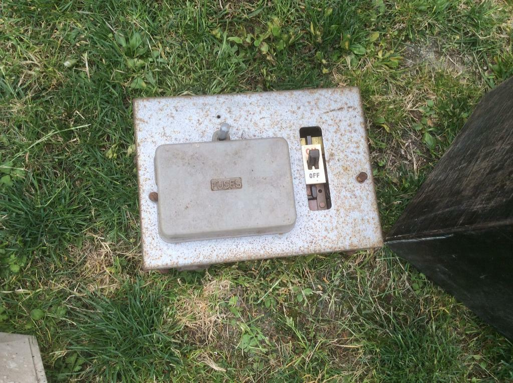 Free old fuse box | in Chinnor, Oxfordshire | Gumtree Old Fuse Box Help on