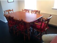 DINING ROOM OR KITCHEN SOLID PINE TABLE AND CHAIRS