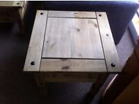 EXCELLENT CONDITION!!! Coffee/ side table solid pine,