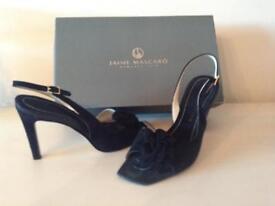 Italian Ladies Shoes - Size 38 (5)