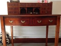Ladies writing desk in yew inlay wood