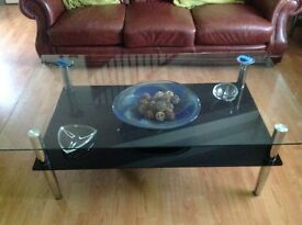 Glass coffe table with chrome legs