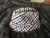 Aquascutum hat