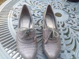 Clarks grey leather shoes size 4