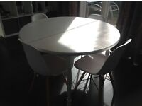 White, Solid, Wooden, Expanding Table Really Lovely & Space Saving